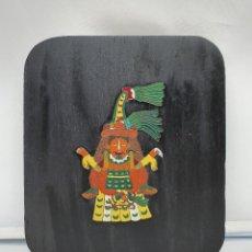 Arte: ORIGINAL TABLILLA DE MADERA CON IMAGEN DE ANTIGUA DEIDAD PRECOLOMBINA EN BRONCE Y ESMALTADO .. Lote 182769772