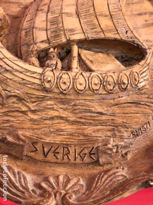 Arte: Antigua talla plato barco vikingo a mano sverige vintage suecia medallon tallado calidad una pieza - Foto 8 - 182939762