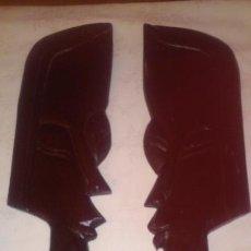 Arte: MASCARAS - MEDIAS CARAS AFRICANAS DE MADERA.. Lote 183502543