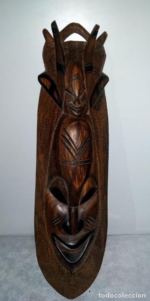 MASCARA TRIBAL EN MADERA TALLADA (Arte - Étnico - Oceanía)