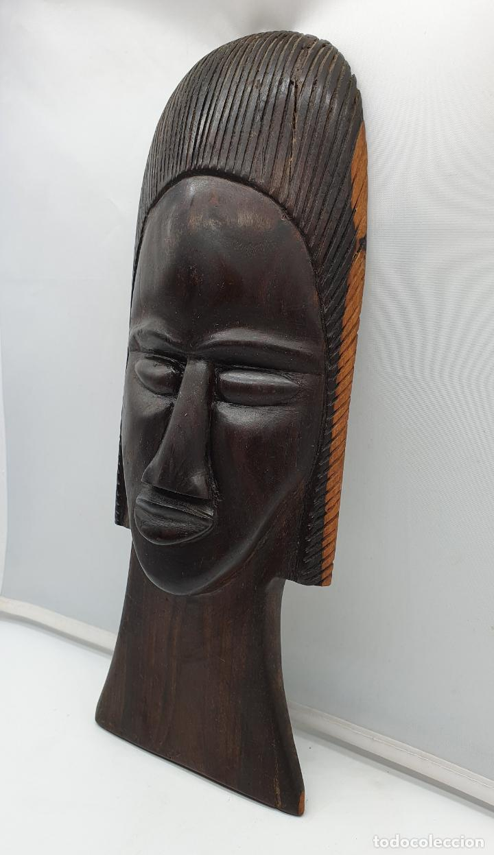 Arte: Mascara antigua africana en madera de ebano tallada a mano por nativos . - Foto 2 - 183990586