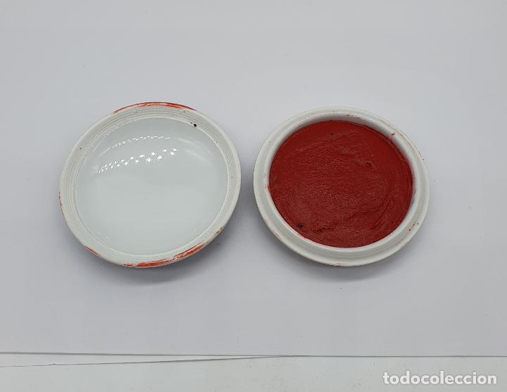 Arte: Sello chino de dragón tallado a mano en jade y cajita de porcelana con tinta roja a juego . - Foto 6 - 184052730