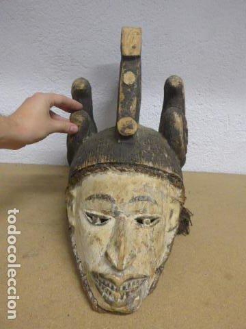 Arte: Antigua mascara casco para ponerse a ritual, africana de madera, de tribu igbo de Nigeria, Africa. - Foto 5 - 186177462