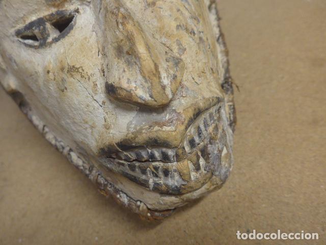 Arte: Antigua mascara casco para ponerse a ritual, africana de madera, de tribu igbo de Nigeria, Africa. - Foto 6 - 186177462