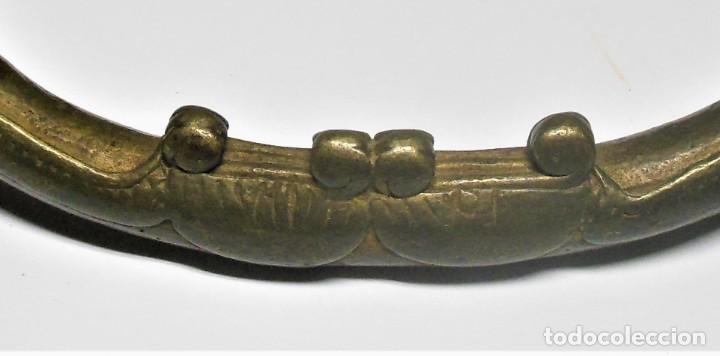 Arte: Tobillera/premoneda dogón (Mali). Bronce. 13'2x8'9 cms. 319gr. - Foto 2 - 187453216