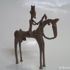 Arte: ARTE ÉTNICO AFRICANO. CABALLO Y JINETE DOGON EN BRONCE. ÁFRICA. 23 CMS.-. Lote 112767731