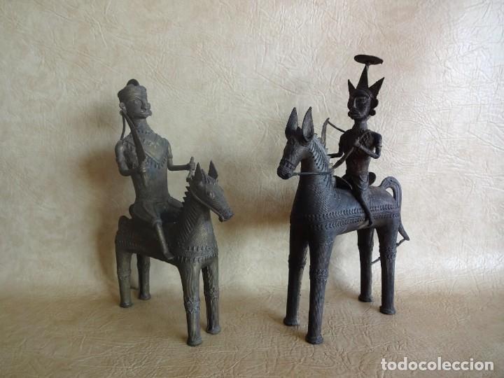 Arte: antiguos guerreros de orissa a caballo bronce y madera india antiguas figuras 38 cm originales - Foto 3 - 149620874