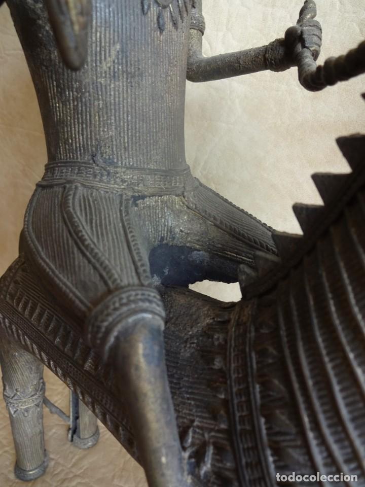 Arte: antiguos guerreros de orissa a caballo bronce y madera india antiguas figuras 38 cm originales - Foto 11 - 149620874