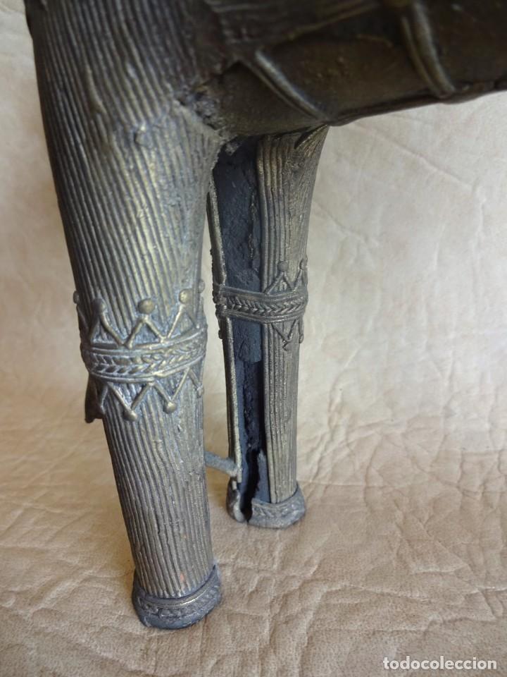 Arte: antiguos guerreros de orissa a caballo bronce y madera india antiguas figuras 38 cm originales - Foto 12 - 149620874