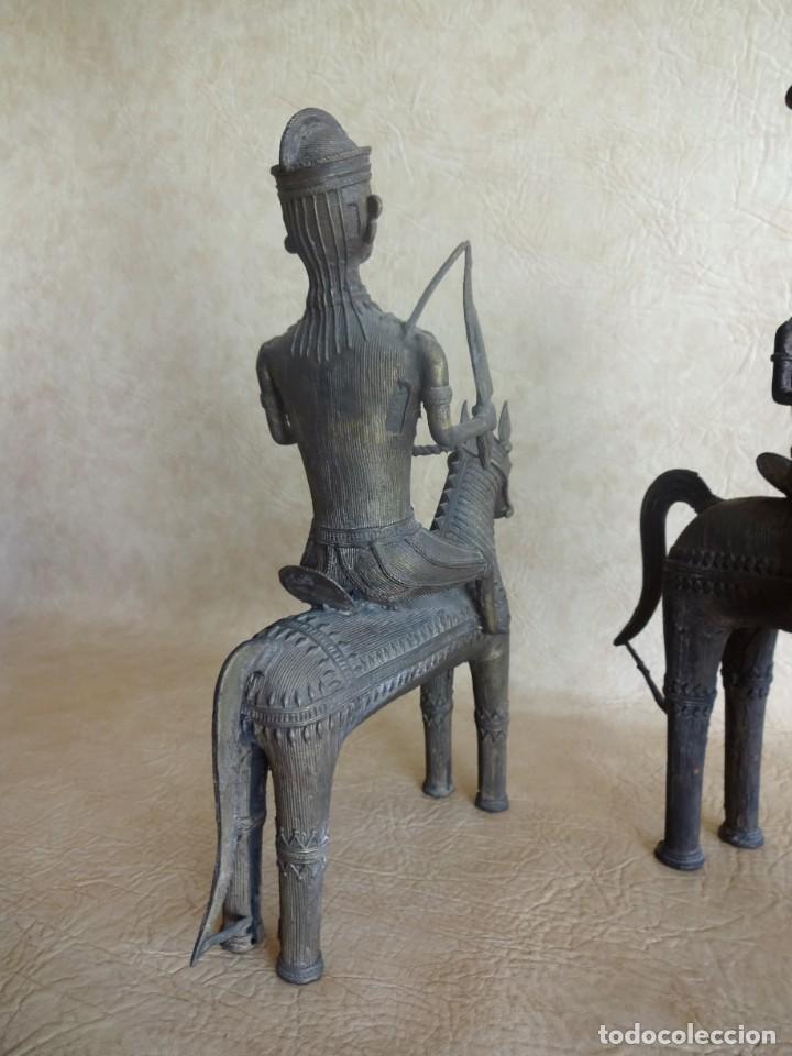 Arte: antiguos guerreros de orissa a caballo bronce y madera india antiguas figuras 38 cm originales - Foto 18 - 149620874