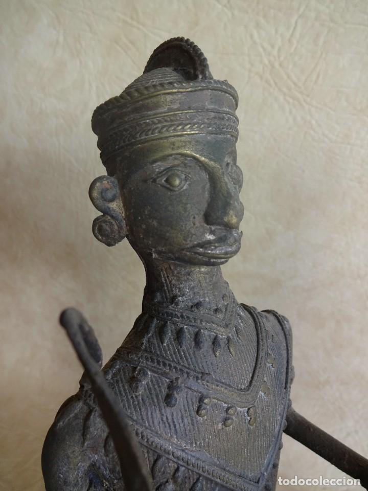 Arte: antiguos guerreros de orissa a caballo bronce y madera india antiguas figuras 38 cm originales - Foto 20 - 149620874