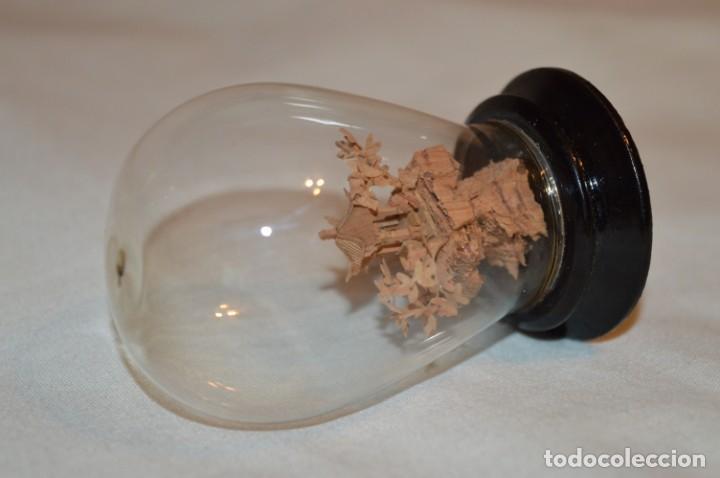 Arte: VINTAGE, pequeña cápsula / urna de vidrio, conteniendo en interior casa/paisaje oriental ¡Preciosa! - Foto 4 - 189765636