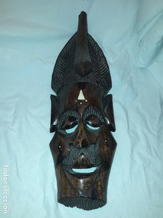 BELLA TALLA MADERA MASCARA AFRICANA CON INCRUSTACIONES DE HUESO O MARFIL (Arte - Étnico - África)