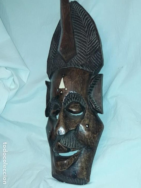 Arte: Bella talla madera Mascara Africana con incrustaciones de hueso o marfil - Foto 6 - 194147853