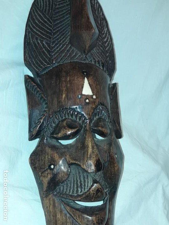 Arte: Bella talla madera Mascara Africana con incrustaciones de hueso o marfil - Foto 7 - 194147853