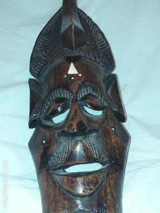 Arte: Bella talla madera Mascara Africana con incrustaciones de hueso o marfil - Foto 8 - 194147853