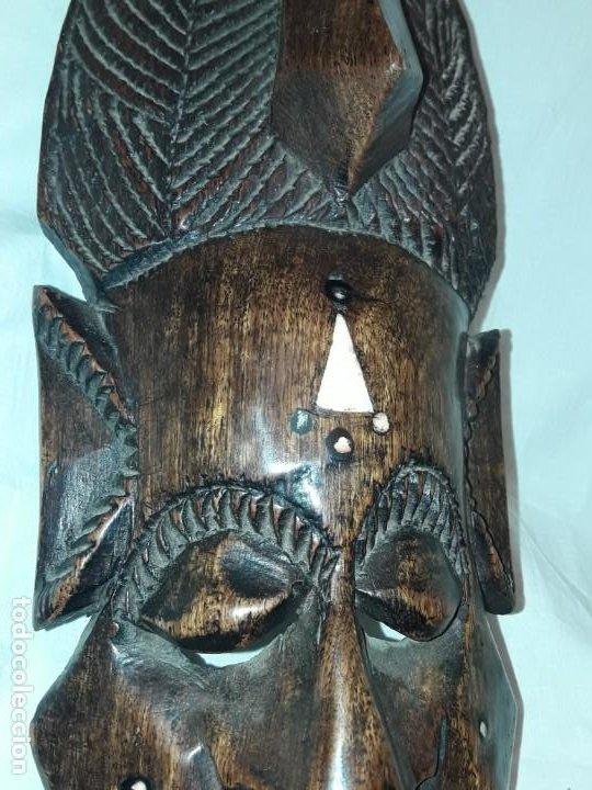 Arte: Bella talla madera Mascara Africana con incrustaciones de hueso o marfil - Foto 9 - 194147853