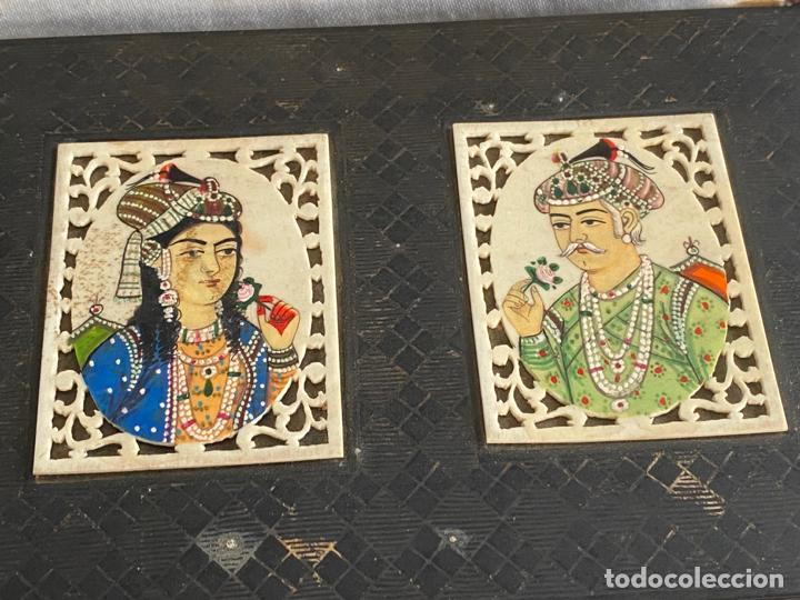 Arte: Anglo Indian Miniature Emperor Akbar AND WIFE . CAJA INDIA DE METAL CON MINIATURAS , EMPERADOR - Foto 6 - 194291400