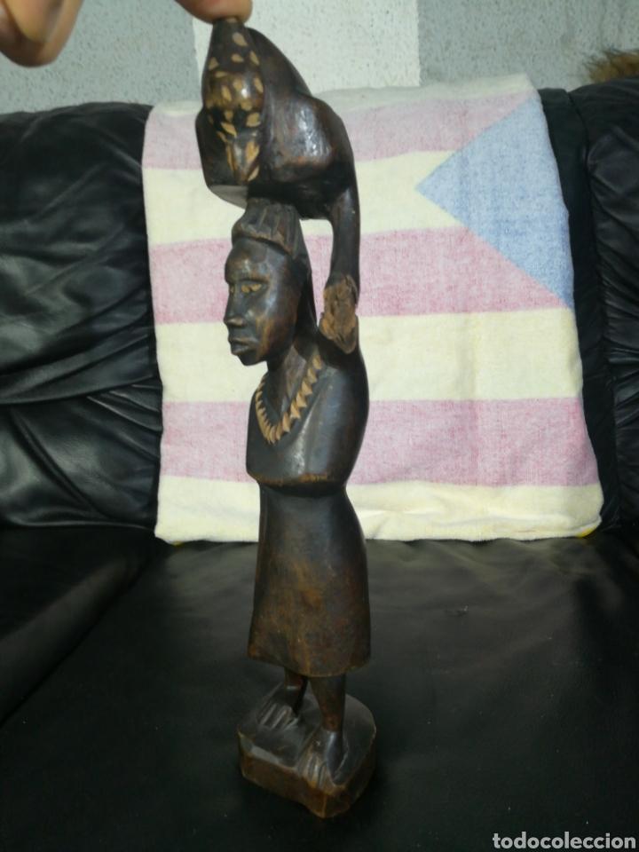 Arte: TALLA DE MADERA AFRICANA MUJER TAREAS COTIDIANAS 33CM - Foto 2 - 194299083