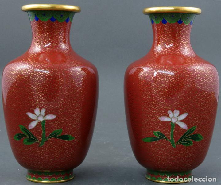 Arte: Pareja de jarrones violeteros en esmalte cloisonne China siglo XX - Foto 2 - 194599941