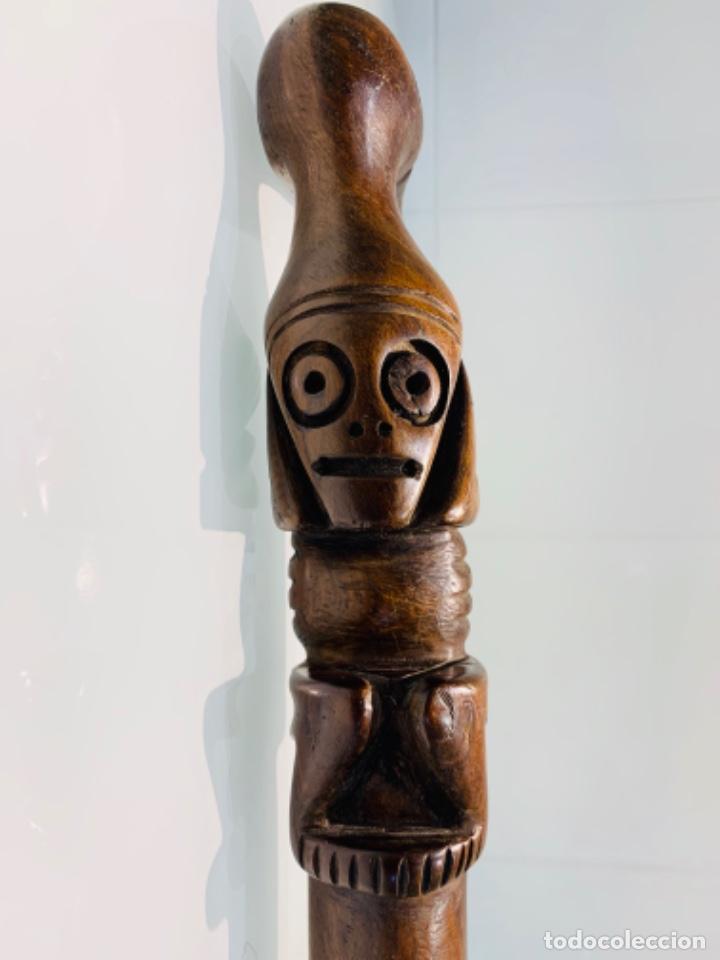 Arte: Madera Genuina Caoba maciza. Bastón de mando cabeza y mango labrado Cultura Taína. Caribe. - Foto 2 - 288316718