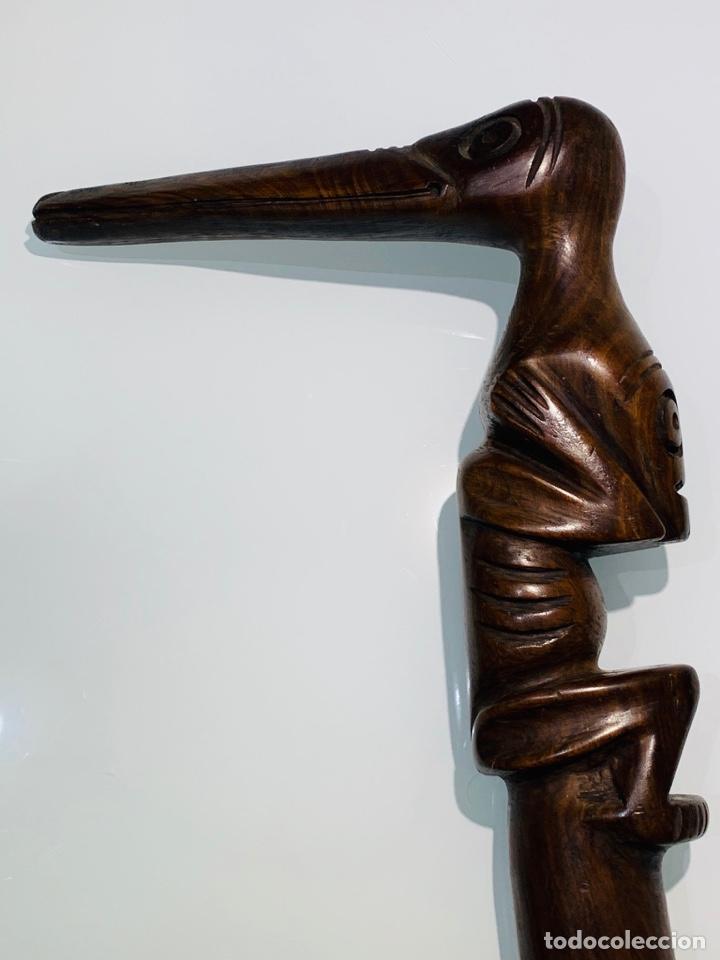 Arte: Madera Genuina Caoba maciza. Bastón de mando cabeza y mango labrado Cultura Taína. Caribe. - Foto 3 - 288316718