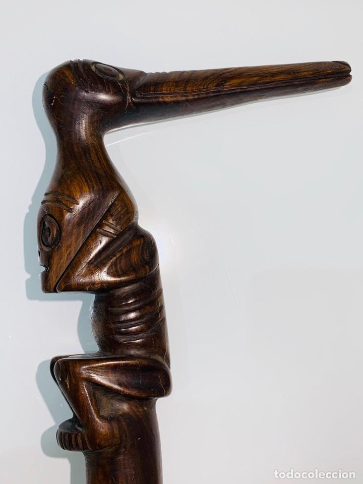 MADERA GENUINA CAOBA MACIZA. BASTÓN DE MANDO CABEZA Y MANGO LABRADO CULTURA TAÍNA. CARIBE. (Arte - Étnico - América)