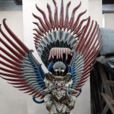 Arte: ANTIGUA TALLA ORIENTAL MADERA DIOS DEL BIEN HECHA TRES PIEZAS DECORACIÓN ASIA DOS METROS ALTO. Lote 198614893