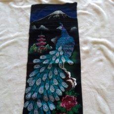 Arte: TELA/TAPIZ CON DIBUJO ORIENTAL JAPONES. FLOR DE LOTO, TEMPLO Y AVE DEL PARAISO. VER DESCRIPCION. Lote 199722677