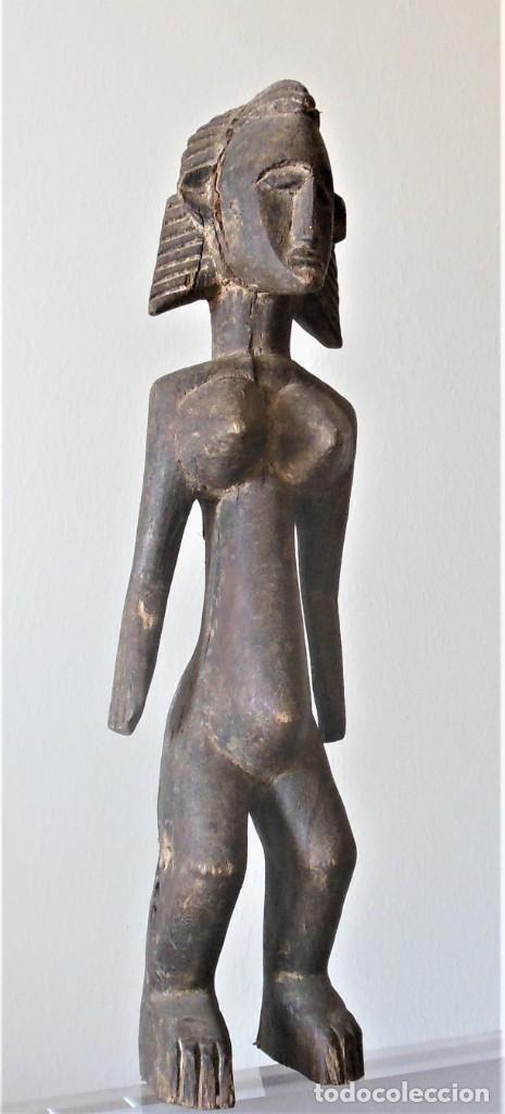 FIGURA FEMENINA NYELENI DE LOS BAMBARA O BAMANA (MALI). MADERA. 39'5 CMS. (Arte - Étnico - África)