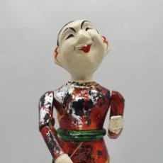 Arte: TALLA ANTIGUA DE TEATRO JAPONES EN MADERA TALLADA A MANO Y BELLAMENTE POLOCROMADA, CON MOVIMIENTO .. Lote 200817403