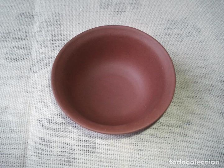 Arte: Taza de te creado en la arcilla roja Yixing hecha artesanalmente con el sello. Porcelana etnica chin - Foto 3 - 205011336