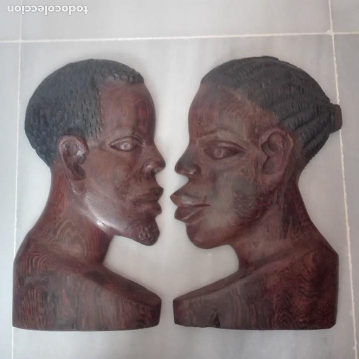 RAROS MEDIOS BUSTOS ARTE AFRICANO TALLADOS EN MADERA PARA COLGAR EN PARED. (Arte - Étnico - África)