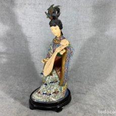 Arte: FIGURA GEISHA EN CLOISONNE - CHINA - SIGLO XX - 32 CM -. Lote 209346743