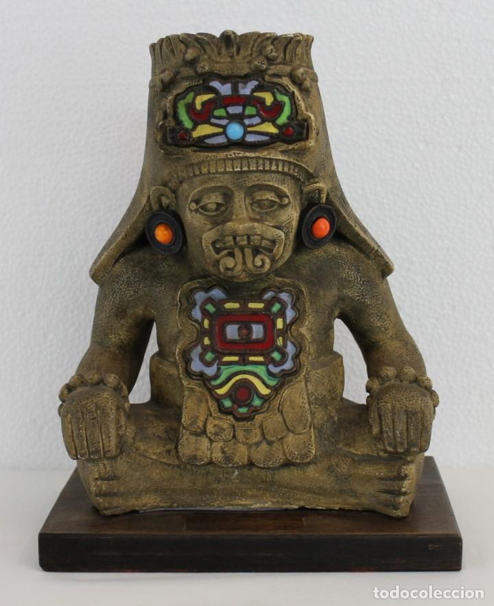 ESCULTURA DE ESTILO PRECOLOMBINO EN TERRACOTA DECORADA CON ESMALTES - SIGLO XX (Arte - Étnico - América)