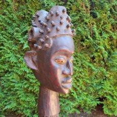 Arte: ANTIGUA ESCULTURA AFRICANA DE MADERA Y PIEL. Lote 211662950