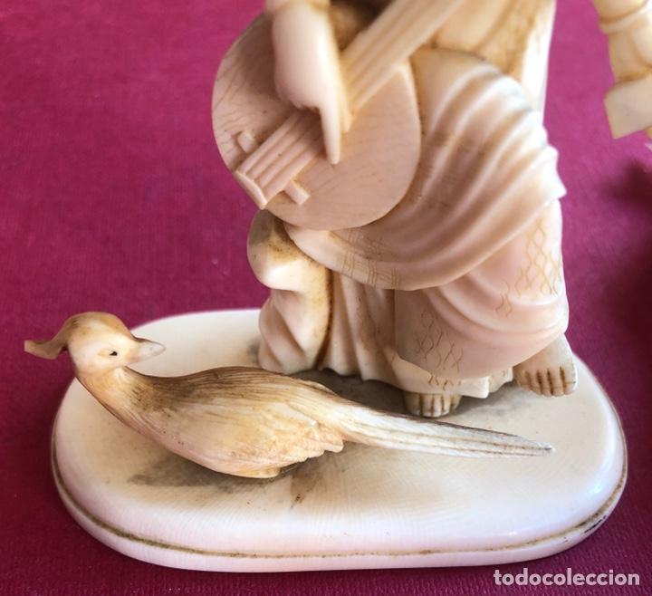 Arte: Soberbia pareja antigua, de músicos en marfil, o hueso. Pps de S.XX. - Foto 8 - 212258436