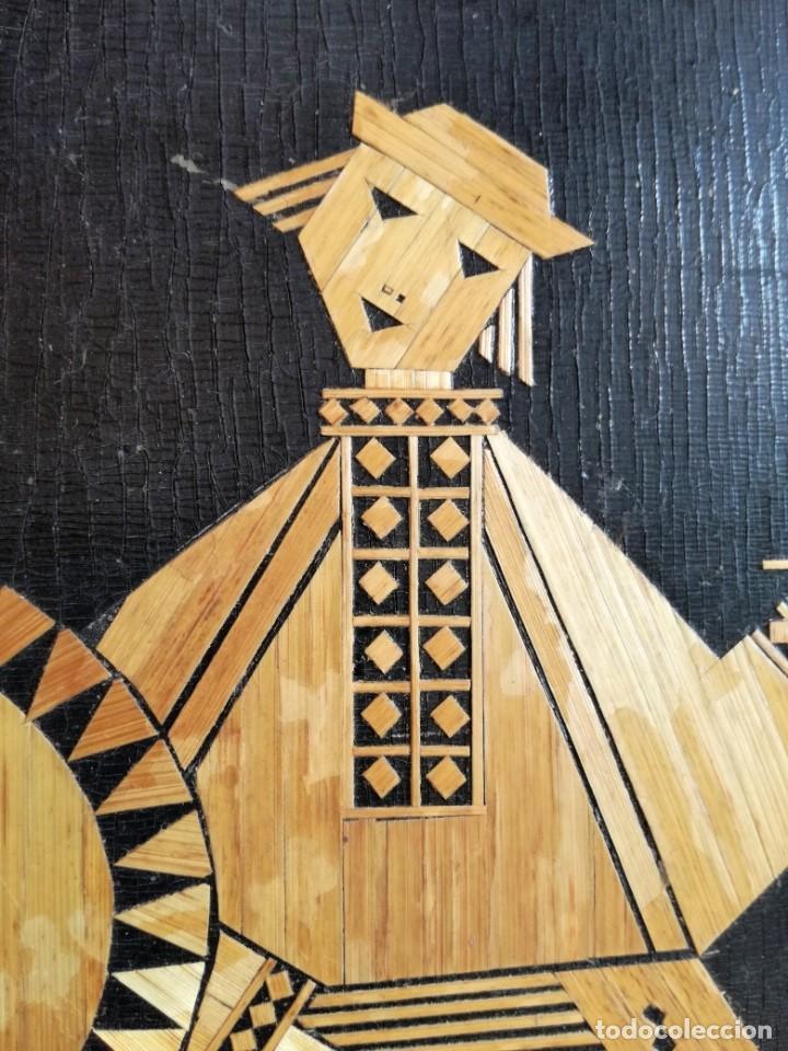 Arte: CUADRO RUSO DE MADERA CON INCRUSTACIONES DE PAJA MUSICOS. 1977. HECHO A MANO - Foto 3 - 213436686