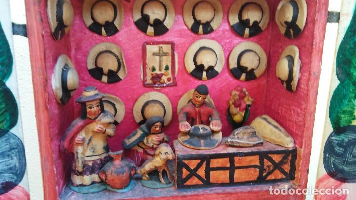 Arte: MAGNÍFICO Y MUY ESCASO RETABLO AYACUCHANO, FIRMADO, COLORISTA TRADICIÓN DE PERU. - Foto 6 - 214671053