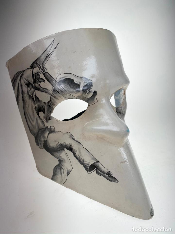Arte: Máscara Veneciana de Carnaval con dibujo erótico pintada a mano - Única - Foto 2 - 214845802