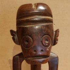 Arte: TALLA DE MADERA COSTUMBRISTA AFRICANA. UNA SOLA PIEZA. MADERA NOBLE. 30 CM / 1,2 KG.. Lote 217561211
