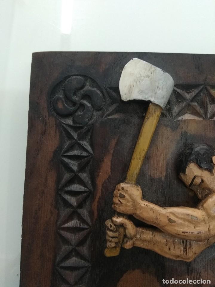 Arte: Cuadro antiguo relieve AIZKOLARI DEPORTE VASCO Tallado y policromado lauburu Pais Vasco - Foto 3 - 218685587