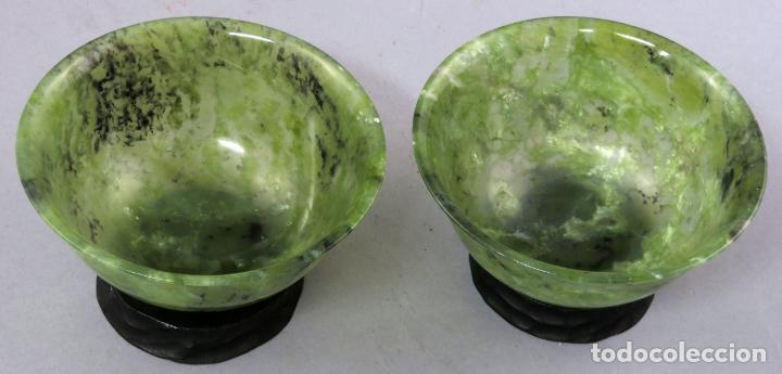 Arte: Pareja de cuencos de jade jaspeado verde espinaca de bordes curvos Dinastía Qing China hacia 1800 - Foto 4 - 221259762