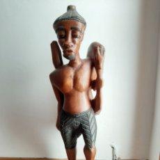 Arte: FIGURA MASCULINA DE MADERA ARTE ÉTNICO AFRICANO. Lote 222193305
