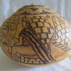 Arte: CALABAZA PIROGRABADA CON ESCENAS CONSTUMBRISTAS. Lote 222438013