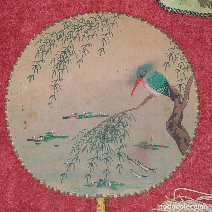 Arte: 3 ANTIGUOS PAY-PAY CHINOS. EN SEDA PINTADA Y MADERA. CHINA. SIGLO XIX-XX - Foto 5 - 222561667