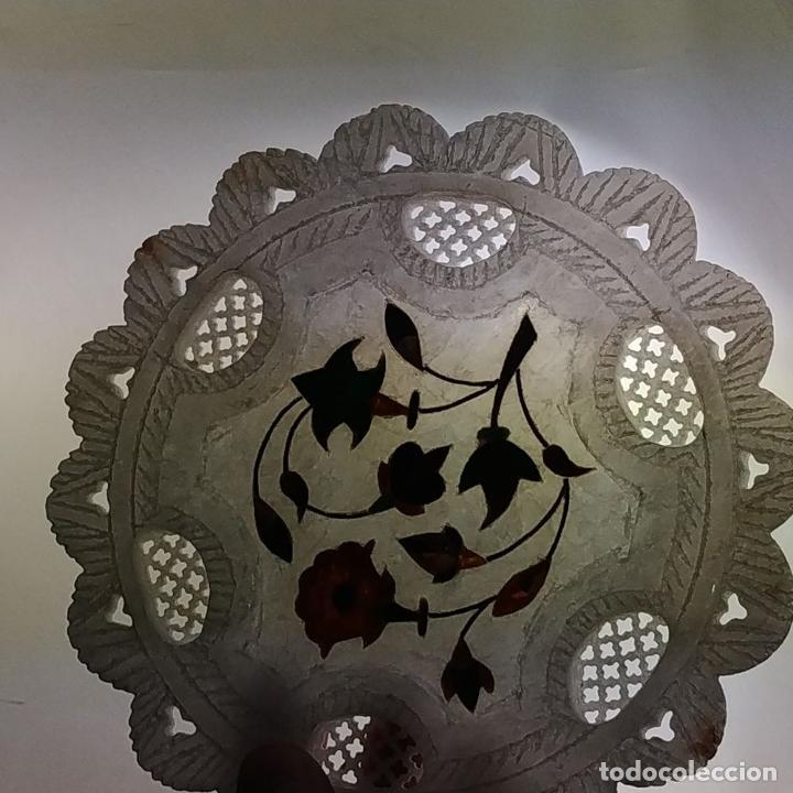 Arte: 2 PLACAS DE ALABASTRO CON INCRUSTACION DE PIEDRAS DURAS. ESTILO MOGOL. INDIA. SIGLO XX - Foto 14 - 222564637