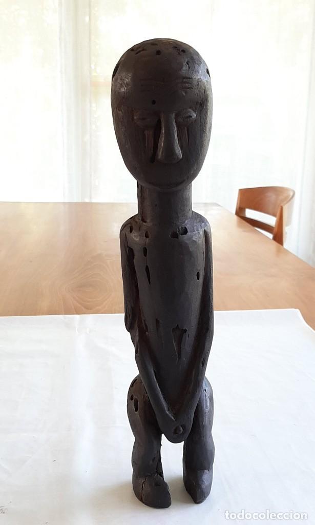 R 1905 FIGURA ANTROPOMORFOGA ANTIGUA DE MADERA AFRICANA ETNIA FANG GUINEA ECUATORIAL (Arte - Étnico - África)
