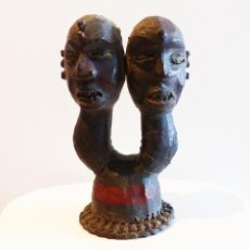 Arte: MUY INTERESANTE PAREJA DE CABEZAS ETNIA EJAGHAM (EKOI) - NIGERIA - FORRADOS EN PIEL - 25 X 14 CM.. Lote 223440430