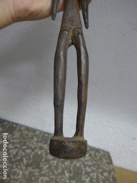 Arte: Antigua escultura figura de madera tallada africana, original, de tribu. - Foto 8 - 224044491